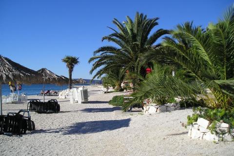 Pláž pod villa Kairos
