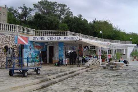 Potápěčské centrum a bar