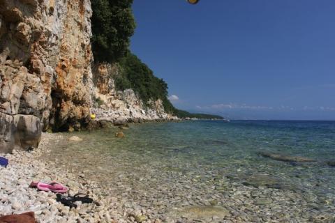 Skalní pláž